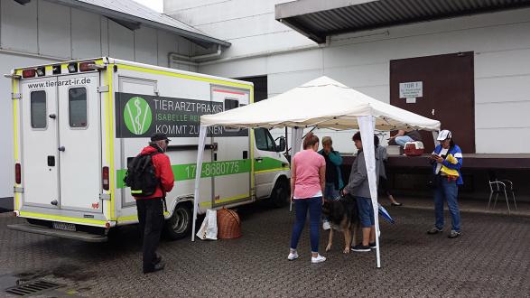 Pfote drauf-Tierhilfe e.V. Trier, mobiler Tierarztstand,Hilfe für Bedürftige